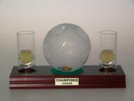 Sada Futbalová lopta 0,35 l + Poháriky na drevennej podložke