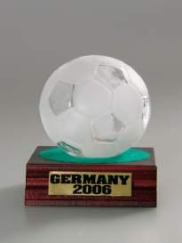 Futbalová lopta 0,1 l na drevenej podložke